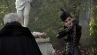 6x14 Henry Sr Reine Regina arc flèche de Cupidon recherche personne la plus haïe jardin de Cupidon fontaine