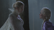 4x05 Reine des Neiges sourire Elsa piégée
