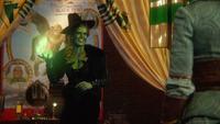 5x16 Zelena Méchante Sorcière de l'Ouest Dorothy Gale dos sourire préparation apparition invocation boule de feu magique magie pyrokinésie