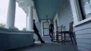 5x05 porche maison Swan Emma Ténébreuse Henry