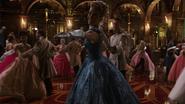 6x03 Ella Cendrillon Prince Thomas danse bal extension bras sourire