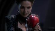 1x09 Méchante Reine Regina pomme empoisonnée