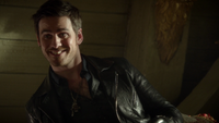 6x04 Killian Jones cale Jolly Roger sourire baril rhum
