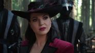 4x01 Reine Regina gardes noirs interpellation