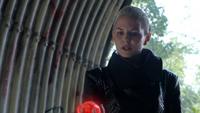 5x04 Emma Swan ténébreuse coeur enchanté tunnel de Storybrooke