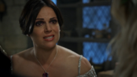 5x02 Regina Mills Emma Swan implore sauver Robin