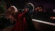 3x12 Emma Swan Singes Volants attaque