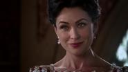 2x15 Reine Eva sourire