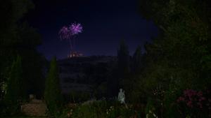 1x04 château du Prince Thomas bal feux d'artifice