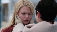 2x01 Emma Swan Mary Margaret Blanchard retrouvailles famille révélation Malédiction brisée