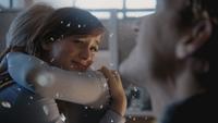 4x09 Anna triste Kristoff poste de police bureau du shérif Storybrooke chute Sortilège des Mille Éclats miroir
