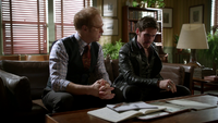 6x12 Archie Archibald Hopper Killian Jones conseils cabinet de psychiatrie