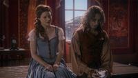1x12 Belle Rumplestiltskin tasse ébréchée conversation