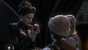 Shot 1x09 Apfel Königin
