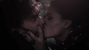 1x07 Chasseur Reine Regina baiser esclave sexuel