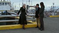 5x02 Port Storybrooke Emma Ténébreuse Henry Regina