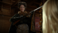 6x03 Madame de Trémaine fusil menace Ashley Boyd
