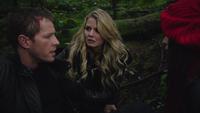 1x15 David Nolan Emma Swan Ruby recherche forêt blessure