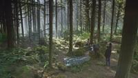 6x07 forêt de Storybrooke Emma Swan Killian Jones Capitaine Crochet Regina Henry Mills cercueil de verre Mary Margaret Blanchard David Nolan baiser Véritable Amour rayonnement lumière magie magique Charme du Sommeil