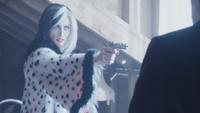 4x18 Cruella d'Enfer pistolet Isaac Auteur éclair