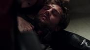 1x07 Graham Humbert meurt mort bras Emma Swan réanimer poste de police