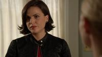 6x04 Regina Mills Emma Swan dos maison Swan évasion Mr Hyde sérum