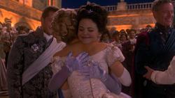 1x04 Prince David Charmant Ella Cendrillon Blanche-Neige Roi Prince Thomas dos embrassade étreinte félicitations mariage mini
