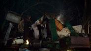 3x20 Zelena Méchante Sorcière de l'Ouest Glinda Gentille du Sud Dorothy Gale aide fenêtre toit maison ferme décombres