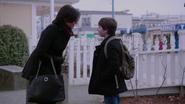 2x20 Regina Mills Henry Mills sourires sacs discussion avenir