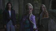 4x05 Regina Mills Elsa intervention Emma Swan Reine des Neiges
