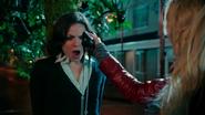 Shot 1x21 Regina verrotteter Apfel