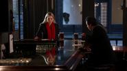 2x14 Emma Swan Neal Cassidy bar chopes de bière retrouvailles