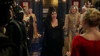 3x21 Bal Reine Regina Emma passé Gardes noirs Midas imposture