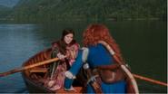 5x06 Belle French Merida barque embarquation départ DunBroch retour Camelot au revoir remerciments aide