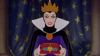Blanche-Neige et les Sept Nains (Disney) Méchante Reine écrin cœur miroir magique