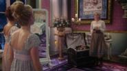 4x07 Ingrid Reine des Glaces Helga dos Gerda dos chambre palais royal valise fuite abandon