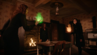 5x19 Zelena (Storybrooke) Cora Regina Mills boules de feu verte rouge attaque bataille ferme des Enfers