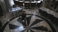 4x09 Henry Mills bureau du maire mairie de Storybrooke chute Sortilège des Mille Éclats