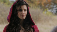 1x10 Scarlett discussion chaperon rouge annonce mariage