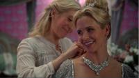 4x07 Ingrid Reine des Glaces Helga préparation collier bal prétendant duc de Weselton présentiations