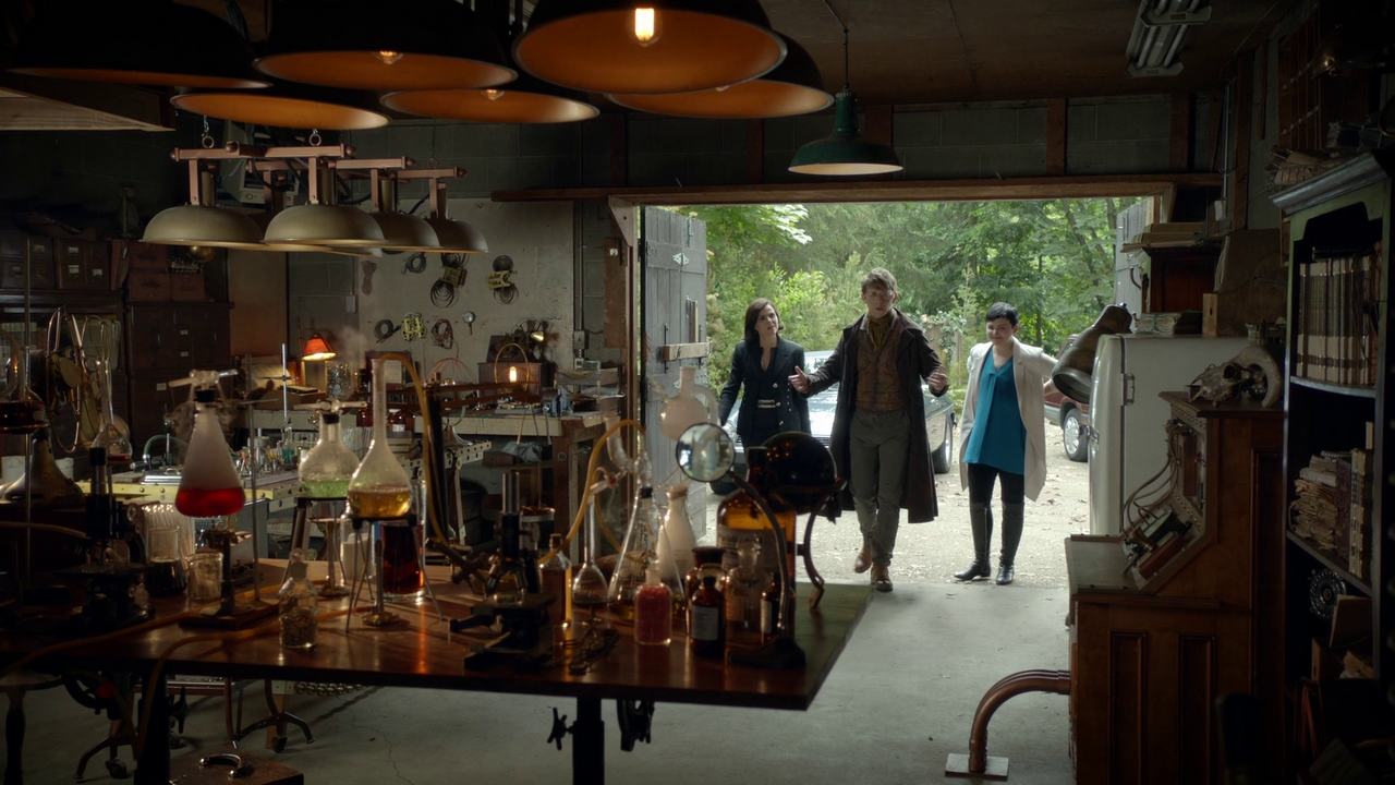 Image 6x03 garage du dr whale laboratoire potion for Garage les milles