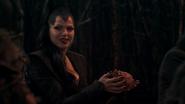 1x02 Reine Regina cœur enchanté Rocinante cheval étalon ingrédient Sort noir malédiction