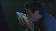 3x04 Neal Cassidy coquillage souffle appel