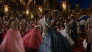 6x03 Prince Thomas Ella Cendrillon bal invités convives