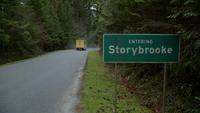 7x21 camion jaune Rollin' Bayou panneau Entering Storybrooke route limites de la ville