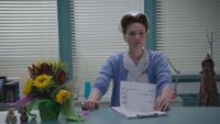 5x10 infirmière Ratched bureau accueil hôpital service maternité