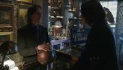 Shot 1x19 Gold Regina
