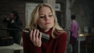 Shot 1x20 Emma Walkie-Talkie