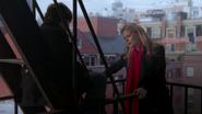 2x14 Henry Mills Emma Swan nouvelle père escaliers New York appartement de Neal