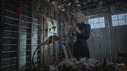 5x05 Emma Dark Swan Cygne Noir Ténébreux Ténébreuse collection attrape-rêves garage cabane maison